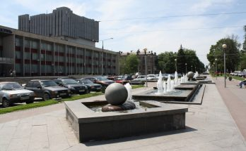 фонтаны на бульваре