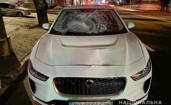 водитель Jaguar