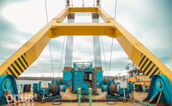 Плавучий кран «Захарий» приступил к строительству моста в Запорожье