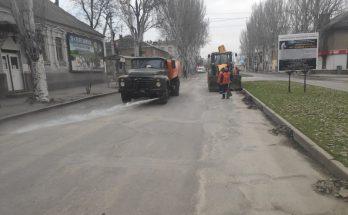 моют запорожские дороги